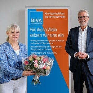 Dr. Manfred Stegger übergibt die Geschäftsführung an Frauke von Hagen